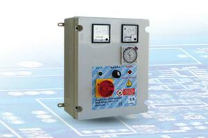 QAD2-400 VA-OR - Quadro avviatore diretto per Elettropompe Trifase A 400V Da 0,50HP A 15HP Con Orologio Giornaliero e Voltmetro - Amperometro